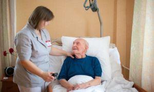 Почему возникают пятна на коже у лежачих больных? Описание и фото