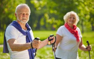 Скандинавская ходьба с палками для пожилых людей — техника выполнения